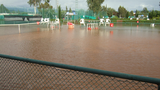 Flooded courts in Alibay