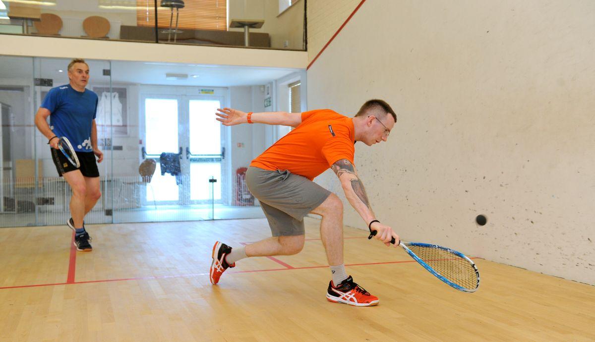 Squash play